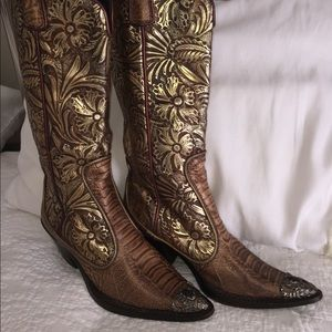 $1300 GIUSEPPE ZANOTTI Embossed Western Boots 6
